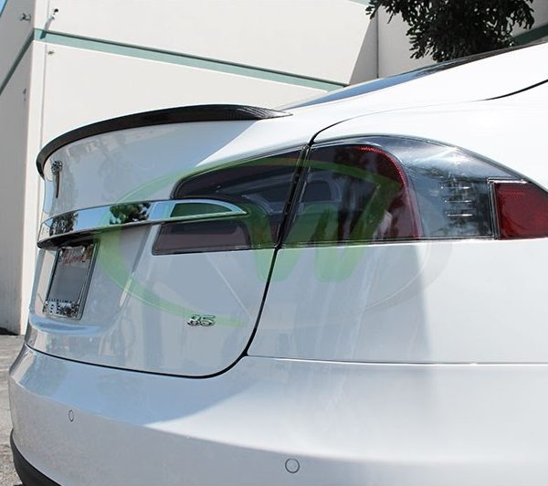 Tesla-S-Carbon-Spoiler-rear-2